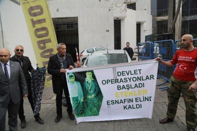 HDP önünde etekli eylem