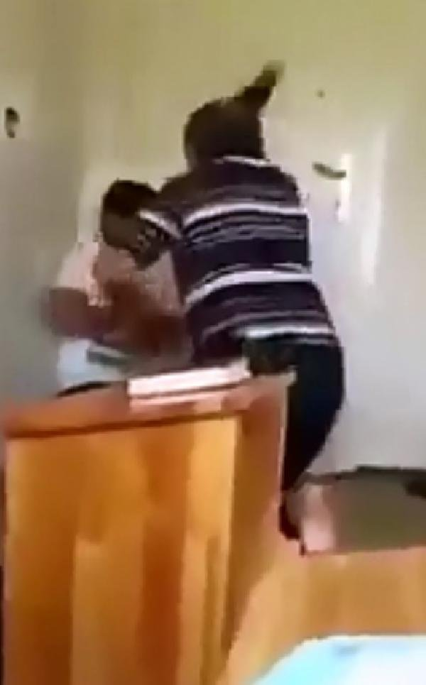 terlikle çocuk döven hoca tahliye edildi