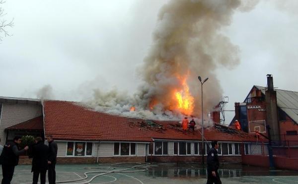 Anaokulunda yangın dehşeti