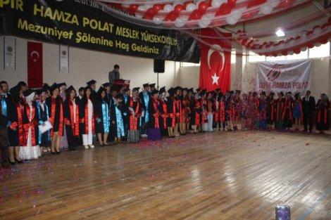 Ispir hamza polat meslek yüksek okulu nda mezuniyet heyecani