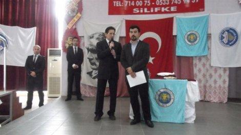 """ÜNİVERSİTE ÖĞRENCİLERİNE """"TERÖR"""" KONULU KONFERANS"""