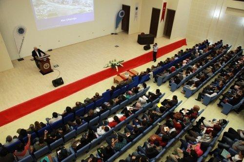 Batman Üniversitesi'nden 'Doruktaki uygarlık Urartu' konferansı