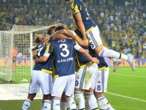 Fenerbahçe'de iki imza birden !
