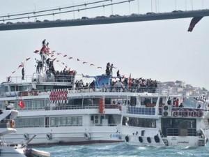 Beşiktaş Boğaz'da şampiyonluğu kutladı !