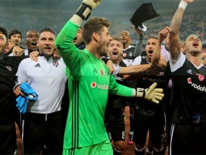 Beşiktaş'tan yılın bombası ! İkisi de dönüyor...