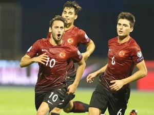 Milli yıldız Süper Lig'de savaş çıkardı