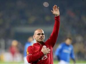 İtalya'dan flaş iddia! Jose Sosa - Sneijder takası