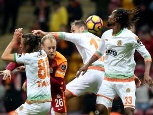 Galatasaray transfer şovuna hazırlanıyor
