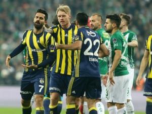 Fenerbahçe'de şok olay! Duvarlar yumruklandı...