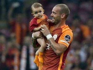 Sneijder'den o iddialara yalanlama !