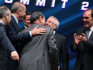 Futbolun Zirvesi'nde güldüren diyalog: 'Hayırdır Emre?'