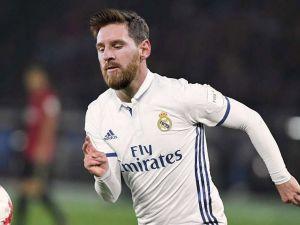 Lionel Messi'ye forma montajı !