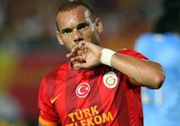 Sneijder ülkesine gitti