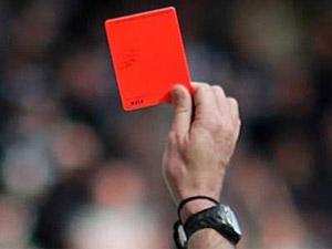 Kırmızı kartın böylesi görülmedi