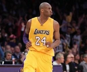 Lakers'ı Kobe Bryant sırtladı !