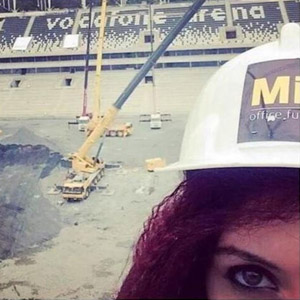 Beşiktaş'la alay eden Miray Çınar kovuldu !