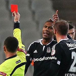 Beşiktaş iptal ya da erteleme istiyor !
