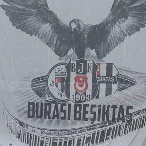Beşiktaş taraftarından müthiş kerografi