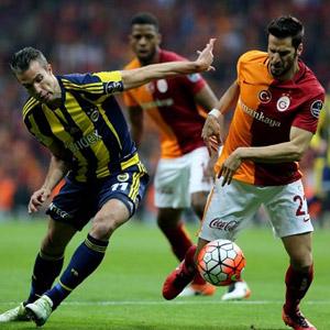 Galatasaray ve Fenerbahçe liderliği unuttu !