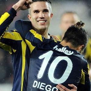 Beşiktaş'tan bomba Diego ve Van Persie açıklaması