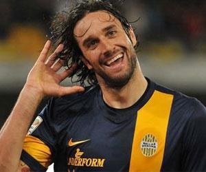 Luca Toni futbolu bırakıyor !