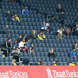 Fenerbahçe tribünleri boş kaldı