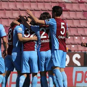 Trabzonspor Çaykur Rize'ye gol yağdırdı