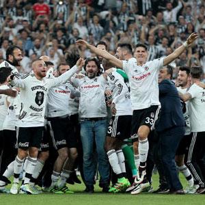 Tarihi değiştirecek şampiyonluk !