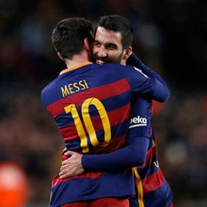 Barcelona'ya 2 Türk daha gidiyor !