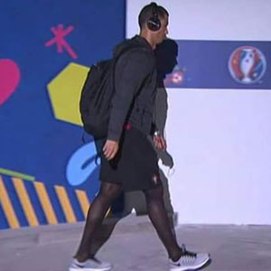 """Ronaldo'nun """"seksi"""" çorapları olay oldu"""