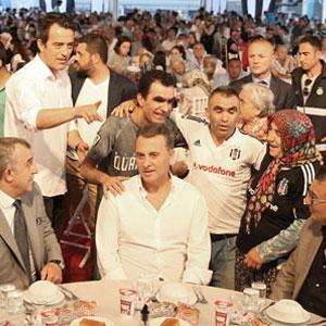 Beşiktaş'tan halka iftar !