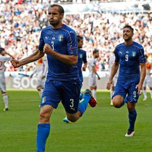 İtalya, İspanya'yı evine gönderdi !