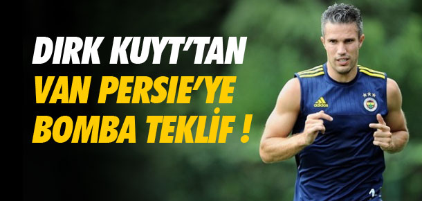 Dirk Kuyt'tan Van Persie'ye çağrı !