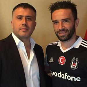 Beşiktaş Gökhan Gönül'ü borsaya bildirdi