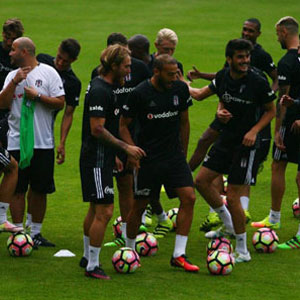 Beşiktaş'ta Gökhan Gönül sevinci