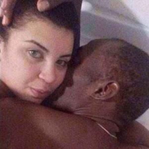 Usain Bolt'un başını yakacak fotoğraflar !