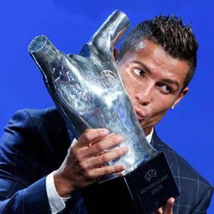 UEFA Yılın Futbolcusu ödülü Ronaldo'nun