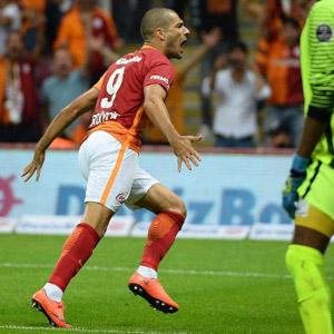 Eren Derdiyok Galatasaray'ı uçurdu