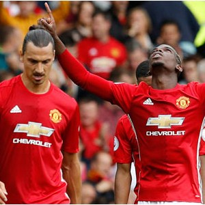Manchester United ilk yarıda fişi çekti !
