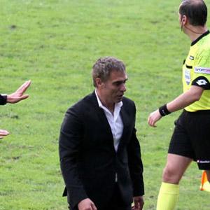 Ersun Yanal'a 2 maç ceza !