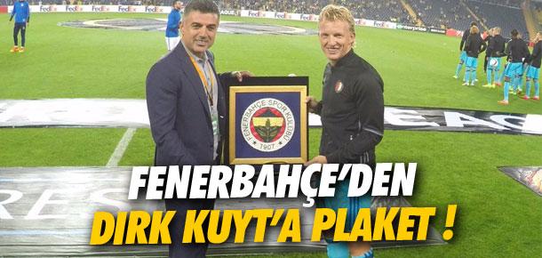 Fenerbahçe'den Dirk Kuyt'a plaket