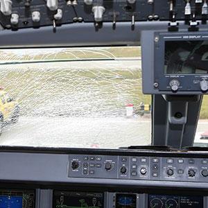 Fenerbahçe uçağındaki çatlak camın sırrı çözüldü