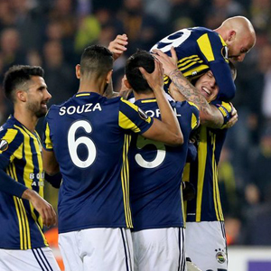 Fenerbahçe'den Kadıköy'de müthiş zafer
