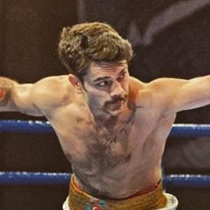 Şampiyuyon boksörlere silahlı saldırı