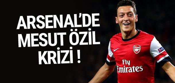 Mesut Özil Arsenal'le anlaşamadı