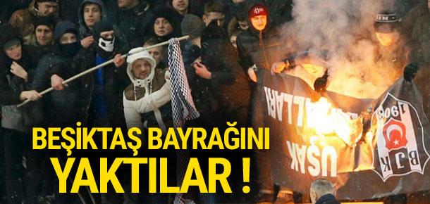 Statta Beşiktaş bayrağını yaktılar