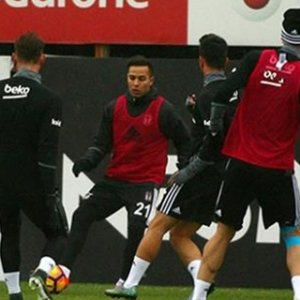 Beşiktaş'ta mola yok; Bursaspor hazırlıkları başladı