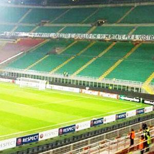Inter taraftarı stadı terk etti
