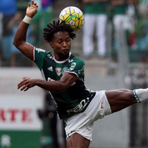 Ze Roberto 1 yıl daha Palmeiras'ta !