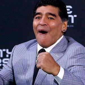 Maradona Napoli'nin başına geçiyor